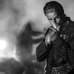 Sons of Anarchy - Season 7 - Cast Promotional Photo - Charlie Hunnam_595_slogo